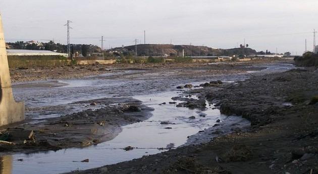 Licitado estudio soluciones encauzamiento río Andarax paso Almería