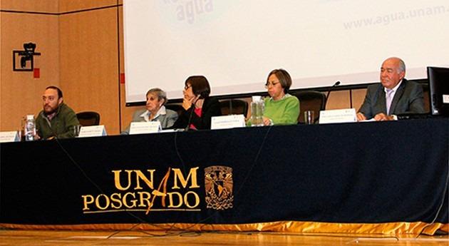 """privatización servicio agua, debate ciclo """" saber Agua"""" UNAM"""