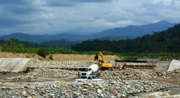 Reanudados trabajos construcción azud obra toma Sistema Riego Pasaje-Machala