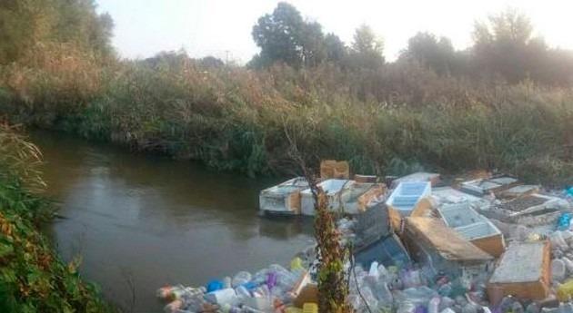 tapón basura bloquea río Guadarrama