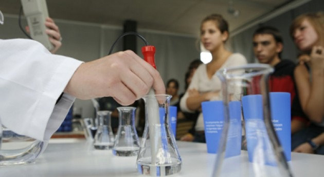"""Escuela Agua consolida actividad """" vaso aprender"""""""