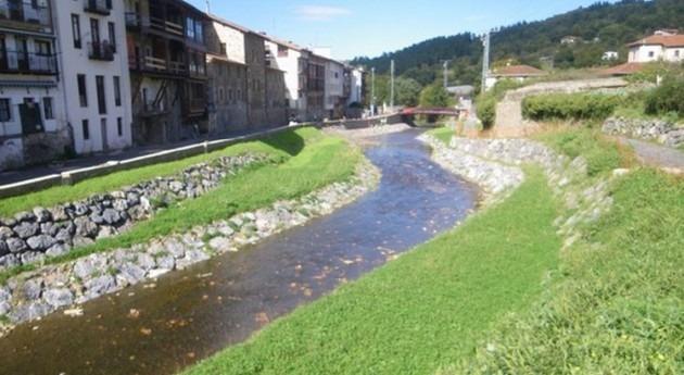 Areatza y visitantes ya pueden disfrutar río Ibaizabal