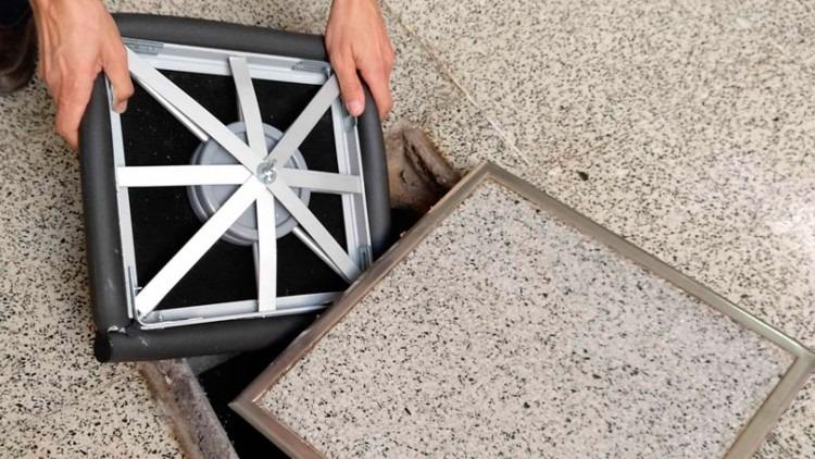 Patentada una tapa elástica que evita el escape de gases y los malos