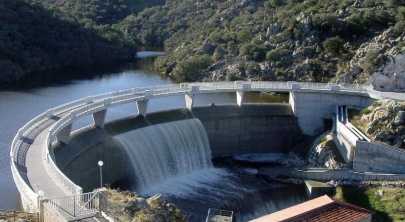 Presentadas 10 ofertas explotación suministro agua regantes río Adaja