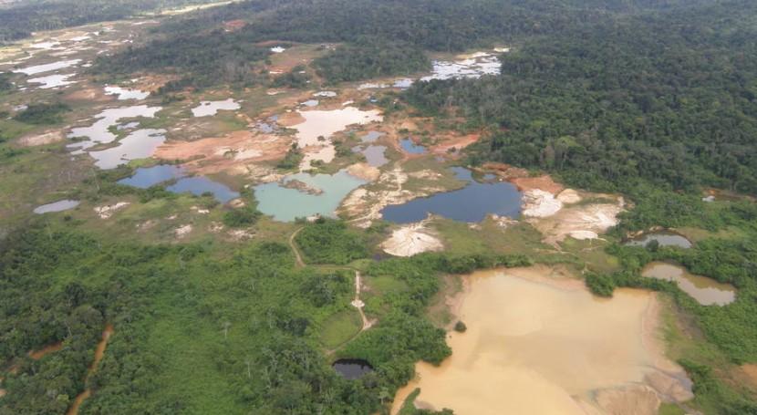 """ sed oro, nos dejará agua"". Arco Minero Orinoco (AMO)"
