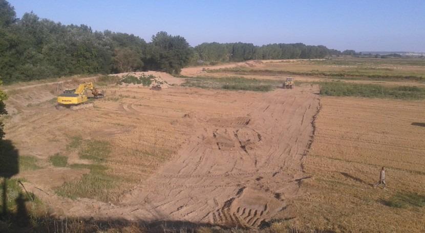 CHE inicia retranqueo mota defensa río Ebro Alfaro ( Rioja)