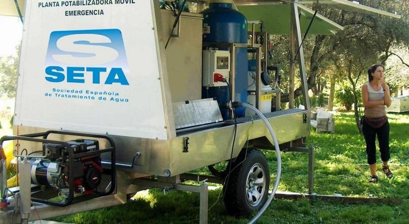 máquina que 'fabrica' agua 15.000 personas