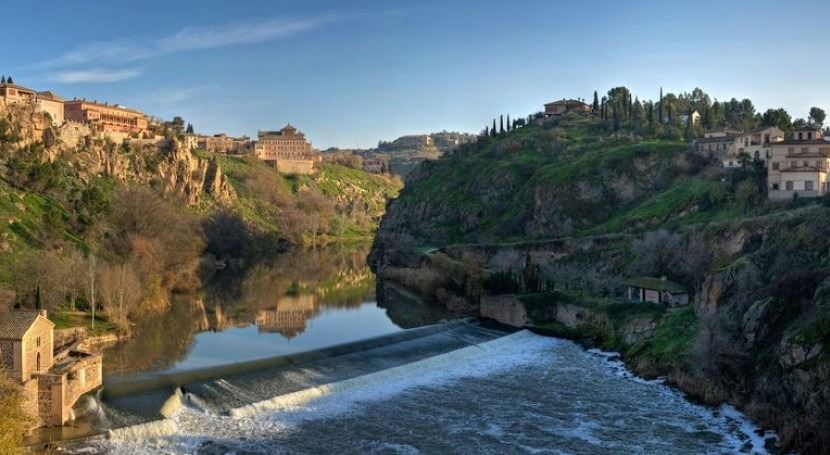 El Tajo a su paso por Toledo (Wikipedia/CC).