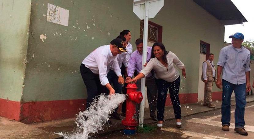 100% población Paratebueno, Colombia, ya dispone agua potable