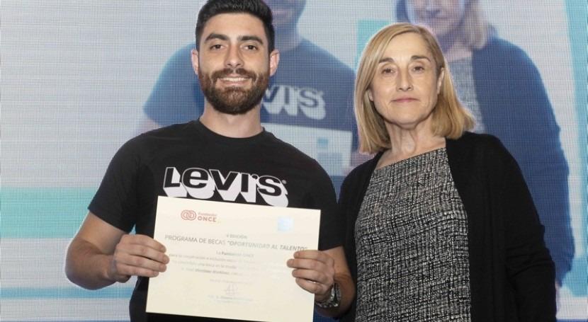 Fundación Aquae apoya becas Fundación ONCE formar titulados discapacidad