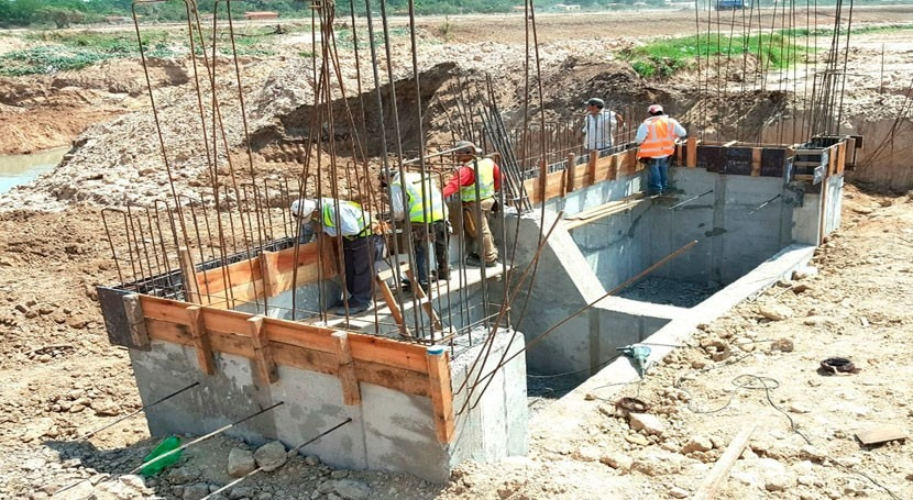 Avanzan trabajos mejorar cauce hídrico arroyo Itay