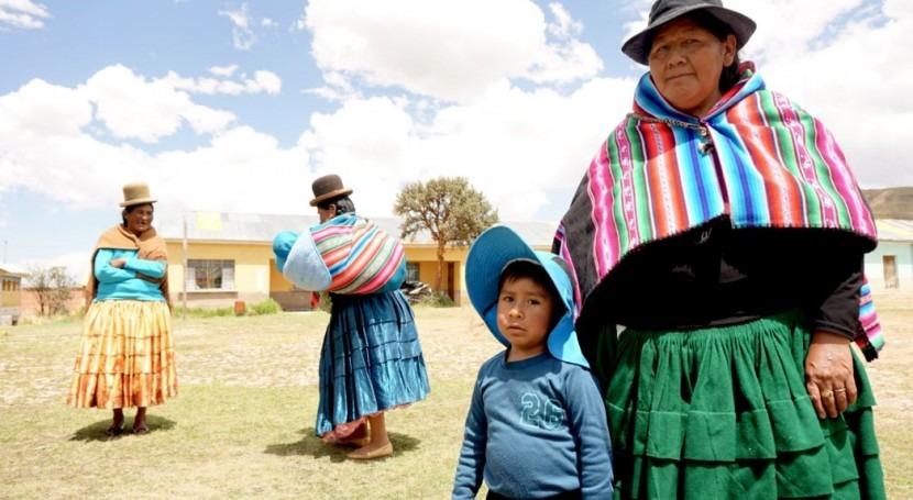 comunidad boliviana Corpa estrena red agua potable salud infantil