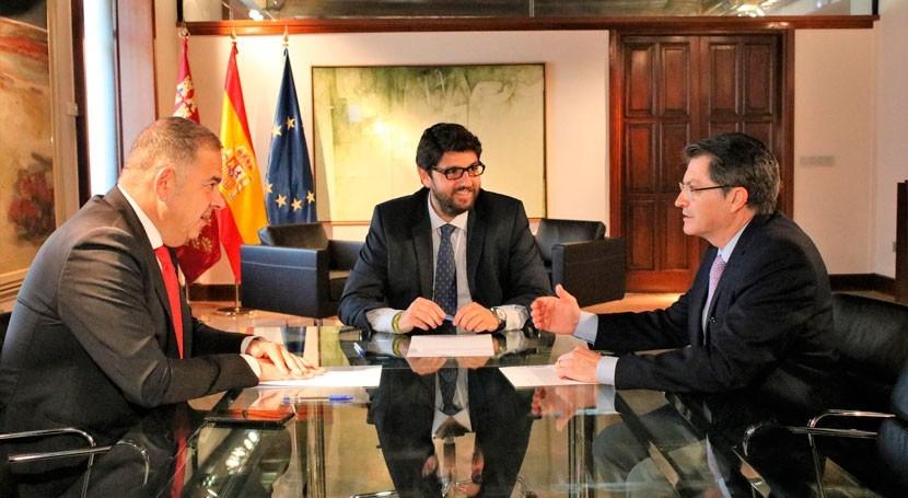 Murcia anuncia enmienda 4 millones PGE abaratar precio agua desalada