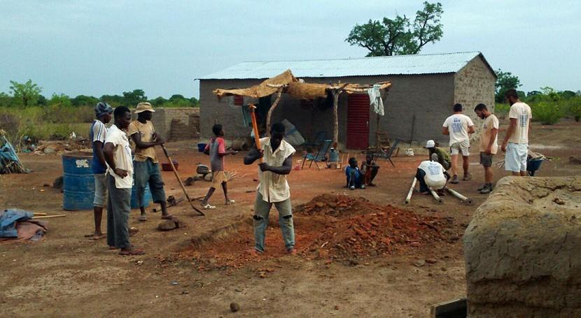 Pozos 'solidarios' tecnologías coste dotan agua al sur Mali