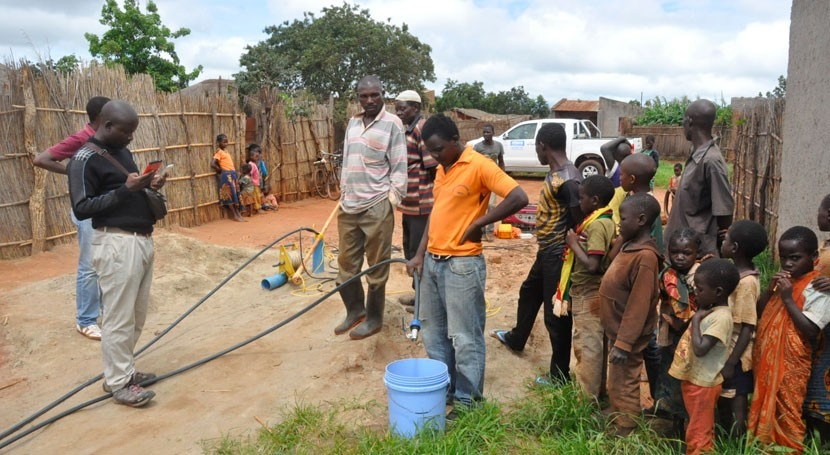 nuevo sistema lleva agua comunidades Mozambique
