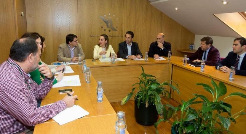 Xunta y ayuntamientos avanzan definición modelo gestión servicio urbano agua