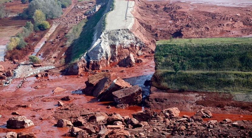 tribunal Hungría ordena repetir juicio vertido lodo tóxico 2010