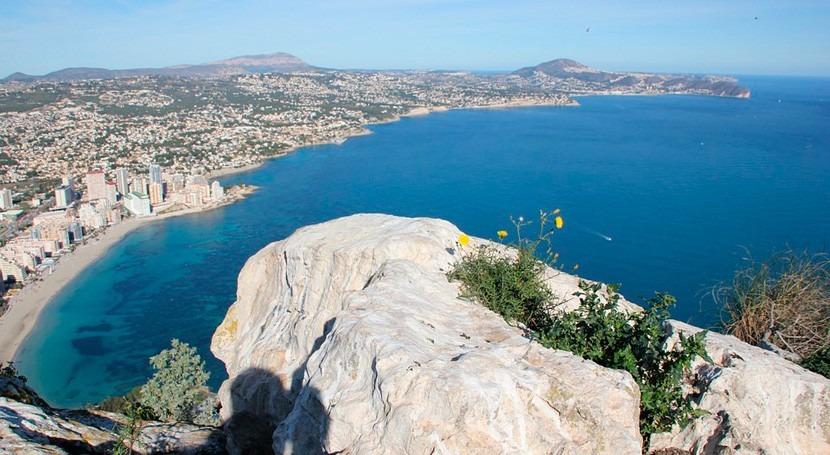 ¿Cuál es aporte nutrientes ríos Vinalopó y Segura zonas costeras Alicante?