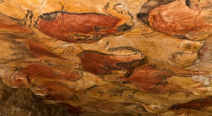 Interior de la cueva de Altamira (Wikipedia/CC).