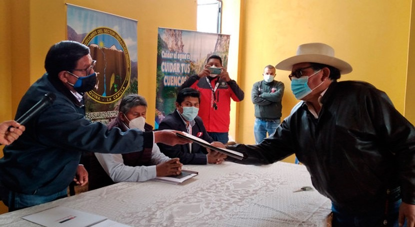 Perú entrega licencias agua y beneficia más dos mil usuarios agrarios