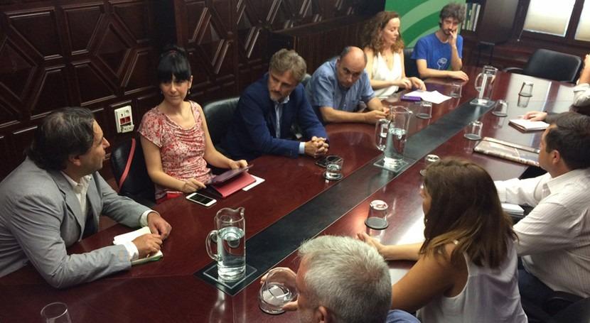 Operadores nacionales e internacionales debaten Andalucía gestión pública agua