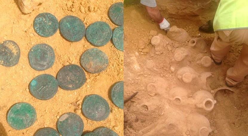 Unas obras CHG Tomares ponen al descubierto 600 kilos monedas bronce siglo III