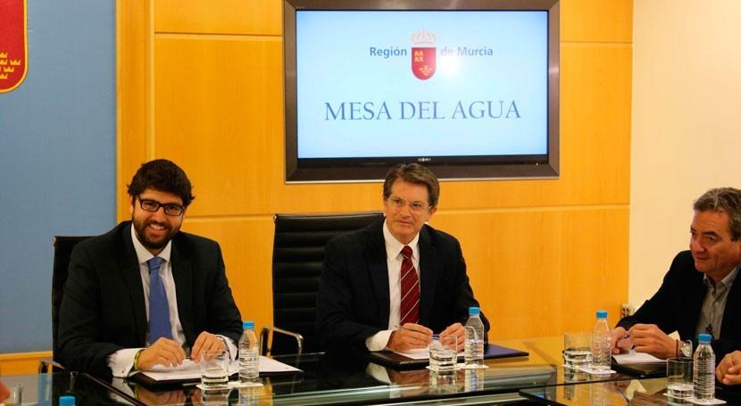 Gobierno Murcia y MAPAMA fijan reunión solucionar falta agua Región