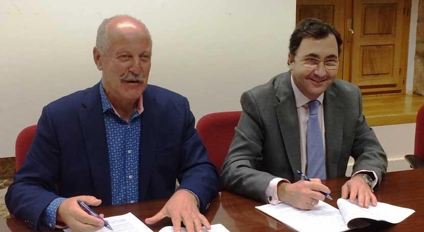 Aqualia firma contrato gestión agua ayuntamiento Reinosa