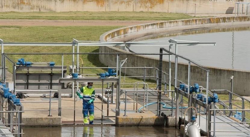 Aproximación Vectorial eficiencia empresas suministro urbano agua