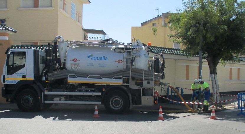 Aqualia pone marcha Plan Choque limpieza imbornales Barbate