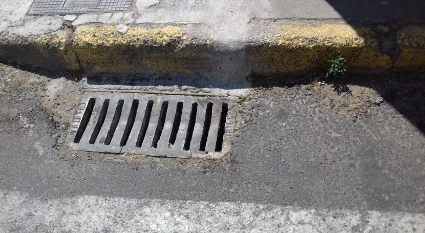 Aqualia denuncia robo tapas alcantarilla Badajoz y Policía localiza horas