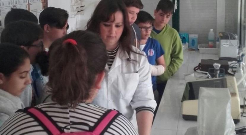 Aprendiendo ciclo agua: 200 escolares Lora Río visitan potabilizadora