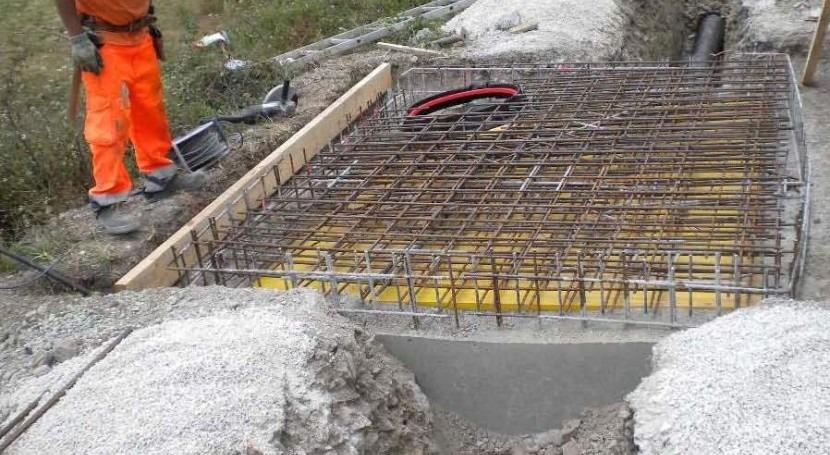 Obras de construcción de una arqueta