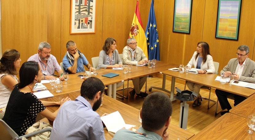 asociaciones ecologistas se reúnen Gobierno marco Pacto Nacional Agua