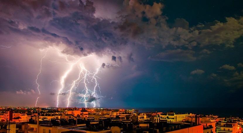 fuertes lluvias al oeste Atenas causan al menos 7 muertos
