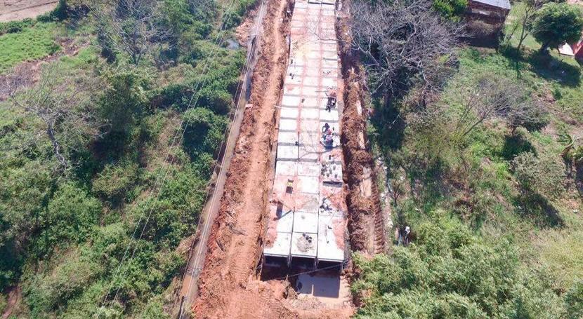 Continúan obras alcantarillado futura Avenida Laguna Grande Asunción