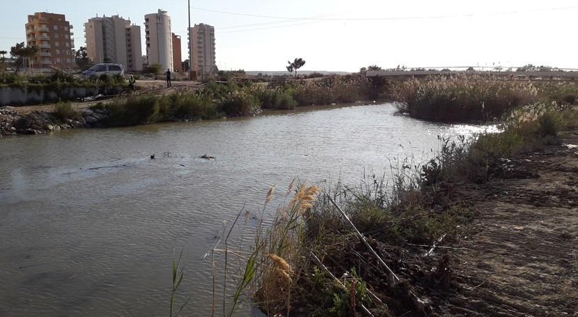 CHS pide frenar uso como vertederos azarbes que llegan al río Segura
