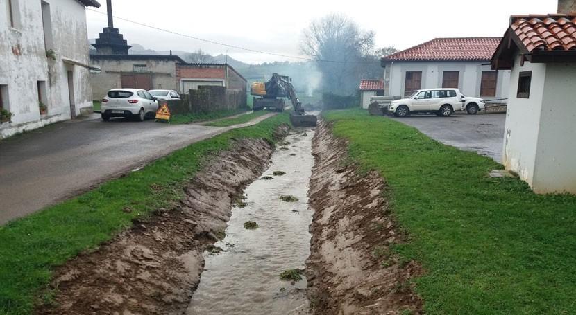 Comienzan trabajos limpieza cauce arroyo Bocarrón municipio Entrambasaguas