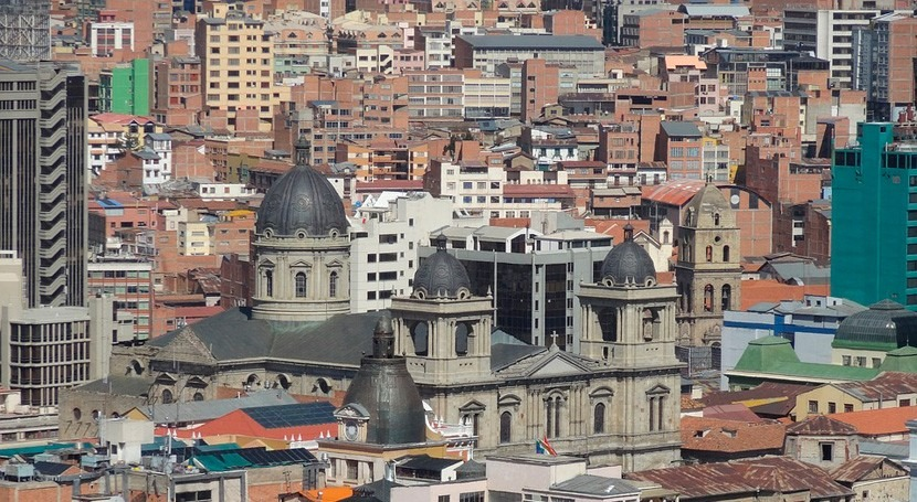 Bolivia amplía suministro agua zonas afectadas racionamiento Paz
