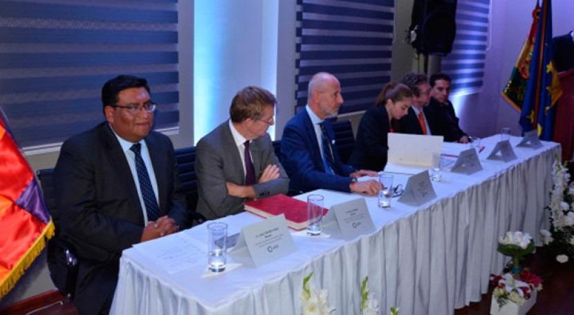 Bolivia y Francia suscriben convenios agua y saneamiento 143 millones euros