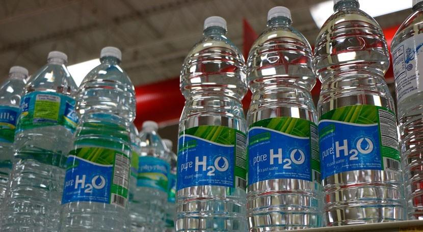 cadena supermercados Supersano suprime venta agua botellas plástico