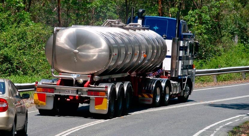 Álava transporta agua potable camiones cisterna varias poblaciones