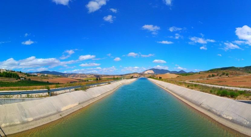 Destinados 2 millones euros ayudas al equipamiento riego zona Canal Navarra