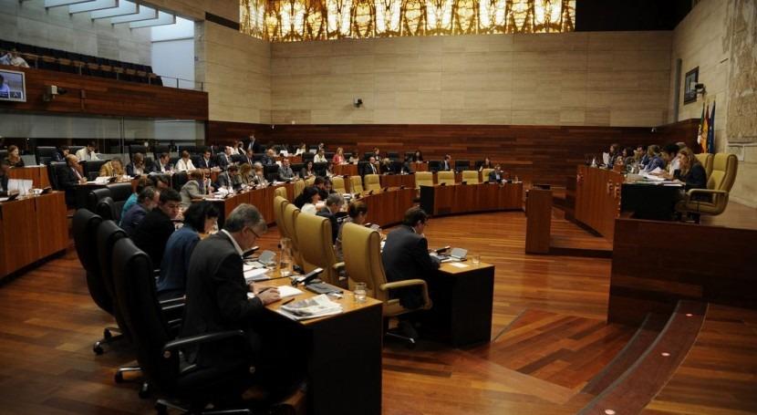 Asamblea Extremadura aprueba propuesta eliminar progresivamente canon agua