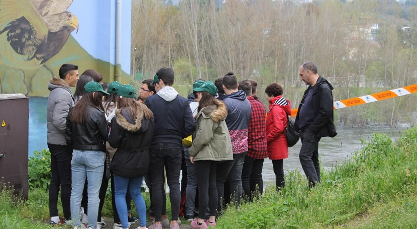 CHMS explica funcionamiento Centro Control Cuenca veintena alumnos