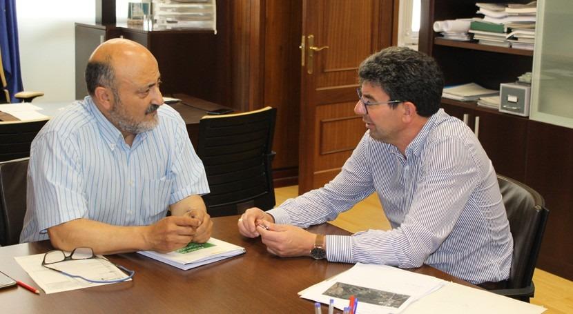 presidente Confederación Miño-Sil recibe al alcalde Taboadela