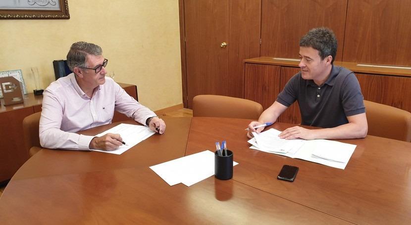 presidente CHS trata asuntos cuenca alcalde municipio Blanca
