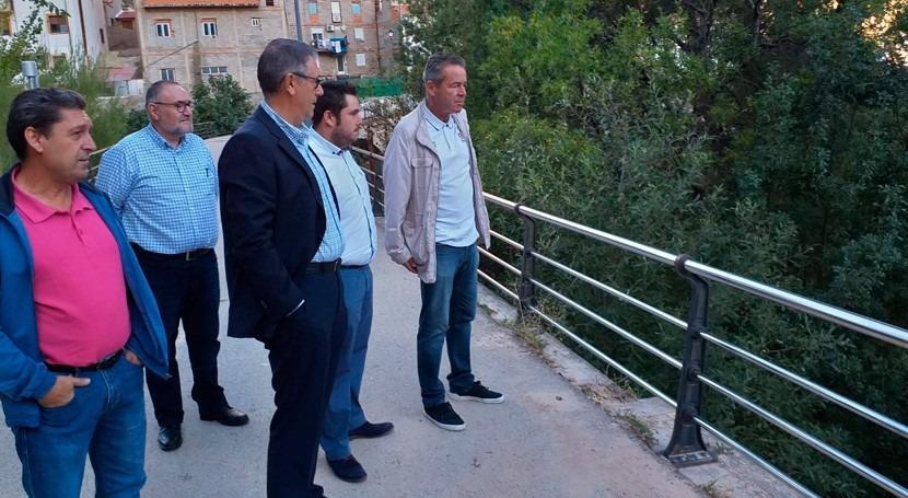 Mario Urrea visita Bogarra analizar limpieza río Madera