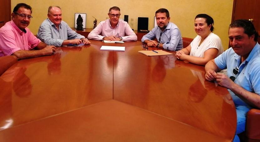 presidente CHS y regantes Lorca tratan planificación recursos hídricos