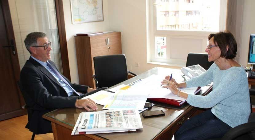 Mario Urrea se reúne delegada Gobierno Canales Taibilla
